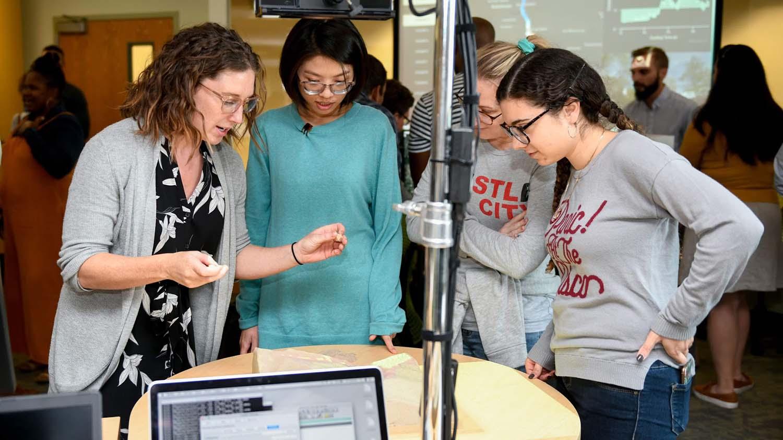 Nikki Inglis in the lab